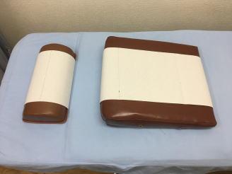 ディスポーザブル(使い捨て)の枕カバーと胸パッドカバー