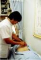鍼施術中の風景